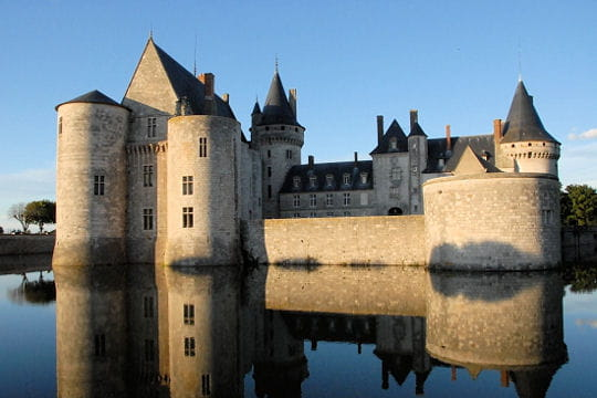 Châteaux .... Chateau-sully-sur-loire-504492