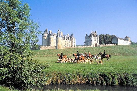 Châteaux .... Chateau-montpoupon-504569