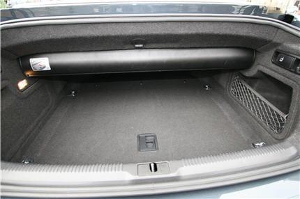 un coffre volumineux pour la cat gorie essai de l 39 audi a5 cabriolet 3 0 tdi s tronic. Black Bedroom Furniture Sets. Home Design Ideas