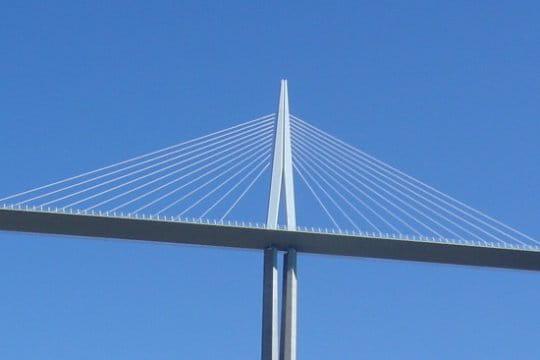 11 paires de haubans le viaduc de millau vu par les lecteurs linternaute - Premier pont a haubans ...