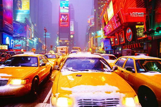 villes sous la neige Yellow-white-cabs-a-new-york-521271
