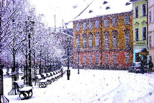 villes sous la neige Belle-prague-sous-son-manteau-blanc-521288