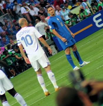 zinédine zidane, quelques minutes avant son geste en finale du mondial.