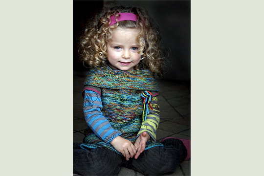 petite fille au bandeau rose le festival du sourire 2009 linternaute. Black Bedroom Furniture Sets. Home Design Ideas