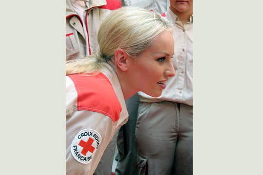 adriana karembeu croix rouge. Adriana Karembeu