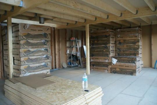 de la laine de bois comme isolant ker biloute une maison ossature en bois linternaute. Black Bedroom Furniture Sets. Home Design Ideas