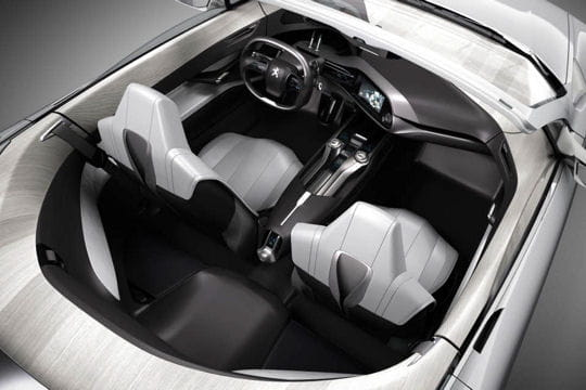 Peugeot SR1 : le coupé sort ses griffes Interieur-536404
