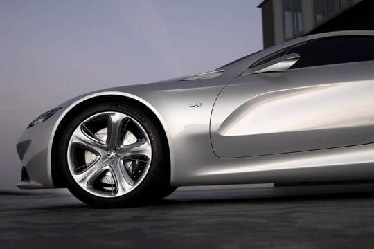 Peugeot SR1 : le coupé sort ses griffes Consommation-536416