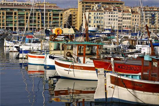 Vieux port de marseille offrez vous de belles photos avec la boutique vos cr ations linternaute - College vieux port marseille ...