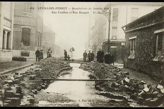 Levallois perret la grande crue de 1910 linternaute for Piscine levallois