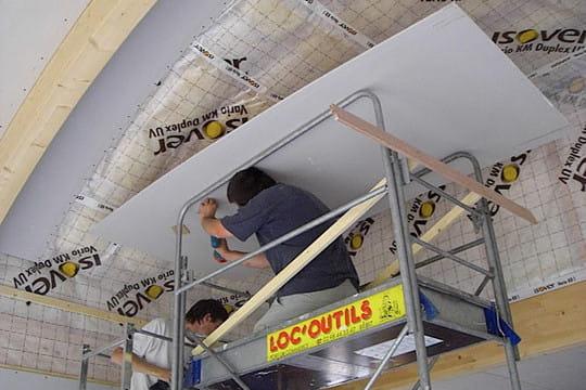Pose des plaques au plafond - Pose de plaque de platre au plafond ...