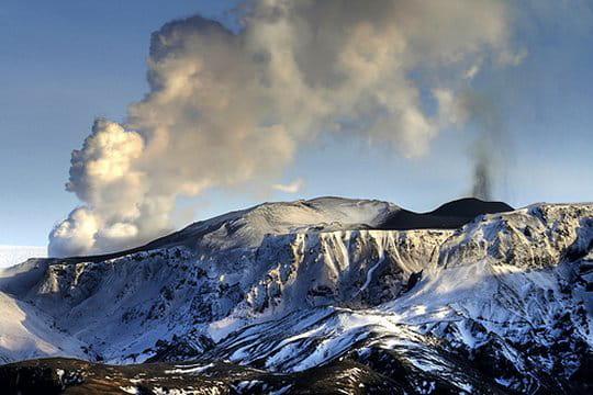 images eruption volcan  islande