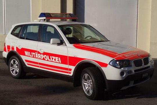 des toyota land cruiser pour la police belge les voitures de police dans le monde l. Black Bedroom Furniture Sets. Home Design Ideas