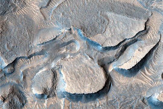 Cratère effondré Mars