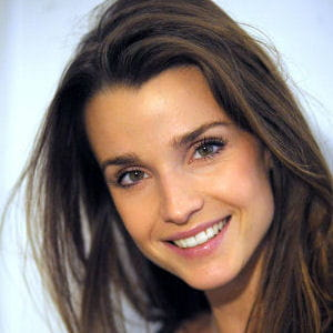 Le Topic des plus belles femmes au monde - Page 4 Celine-bosquet-639205
