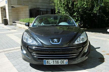 Peugeot RCZ 2.0 HDi : le coupé confort Face-avant-rcz-ne-cache-pas-sa-genetique-c-est-peugeot-fiere-l-etre-639860