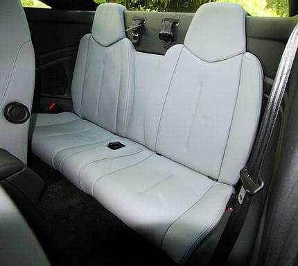 Peugeot RCZ 2.0 HDi : le coupé confort Inutilisables-presque-sieges-arriere-sont-uniquement-symboliques-640167