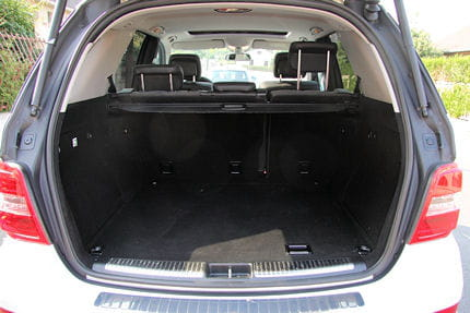 un coffre logeable essai mercedes ml 350 bluetec le 4x4 d pollu linternaute. Black Bedroom Furniture Sets. Home Design Ideas