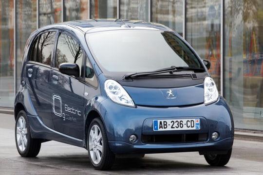 Peugeot iOn : la nouvelle citadine branchée du lion Design-642794