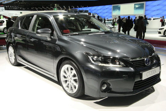 Mondial de l'automobile - Page 2 Lexus-ct-200h-656991