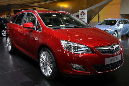 Mondial de l'automobile - Page 2 Opel-astra-sports-tourer-657087