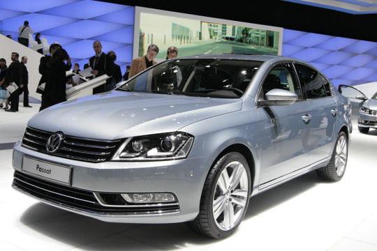 Mondial de l'automobile - Page 2 Volkswagen-passat-657251