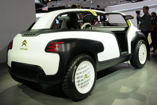 Mondial de l'automobile - Page 2 Arriere-lacoste-concept-657307