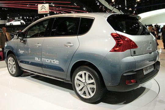 Mondial de l'automobile - Page 2 Arriere-3008-hybrid4-657359