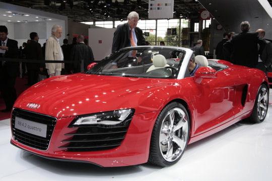 audi r8 v8 spyder mondial de l 39 automobile de paris 2010 elles valent plus de 100 000 euros. Black Bedroom Furniture Sets. Home Design Ideas