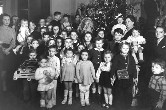 Actualité & Images Noel : Revivez le Noël d'autrefois ! Arbre-noel-704194