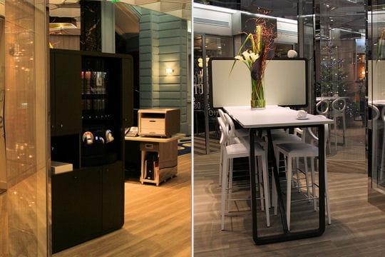 la discussion autour d 39 une table haute et d 39 un caf dans le concept store de bnp paribas. Black Bedroom Furniture Sets. Home Design Ideas