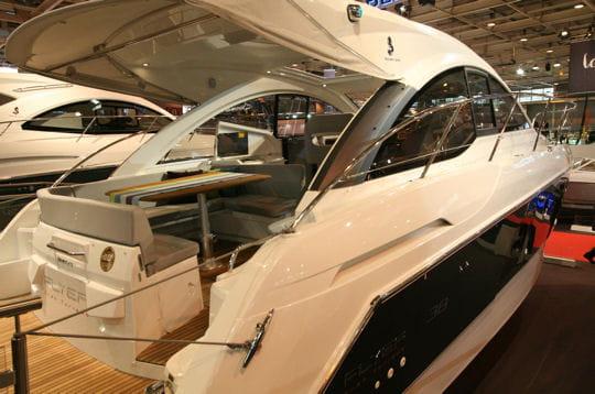 Le flyer gran turismo 38 de b n teau les nouveaut s 2010 du salon nautique de paris linternaute - Nouveautes salon nautique ...