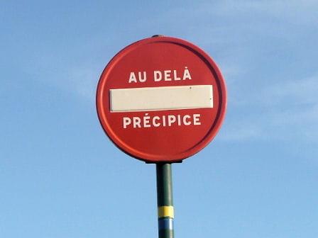 Accès au service client de Bouygues Télécom un précipice