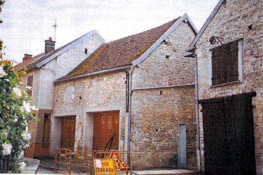 Prix de la maison de bourg avant maisons paysannes de france les prix de 2010 linternaute - Maison prefabriquee france prix ...