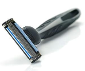 le rasoir manuel suivez les conseils d 39 un pro du rasage linternaute. Black Bedroom Furniture Sets. Home Design Ideas