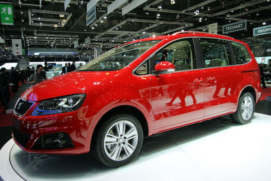 seat alhambra 4wd salon de gen ve 2011 les nouveaut s trang res linternaute. Black Bedroom Furniture Sets. Home Design Ideas