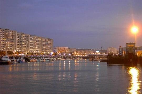 Peche Des Poissons Dans Ville De Boulogne Sur Mer