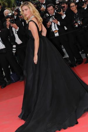 http://www.linternaute.com/cinema/evenement/les-plus-belles-robes-du-festival-de-cannes-2011/image/vahina-giocante-cinema-evenements-883064.jpg