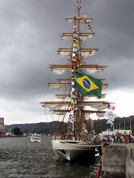 صفقة السفينة الشراعية  di Amerigo Vespucci للبحرية الجزائرية - صفحة 3 Cisne-branco-884082