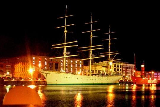 صفقة السفينة الشراعية  di Amerigo Vespucci للبحرية الجزائرية - صفحة 3 Duchesse-anne-884193
