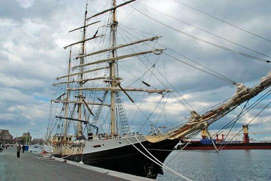 صفقة السفينة الشراعية  di Amerigo Vespucci للبحرية الجزائرية - صفحة 3 Gunilla-884552