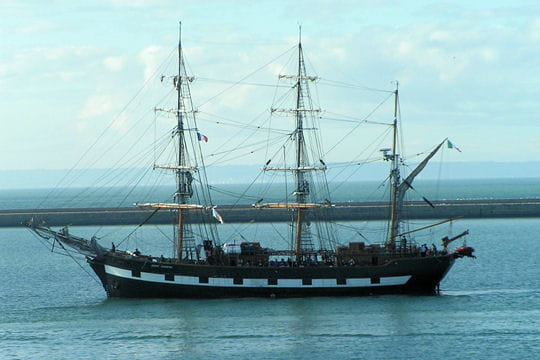 صفقة السفينة الشراعية  di Amerigo Vespucci للبحرية الجزائرية - صفحة 3 Jeanie-johnston-884596