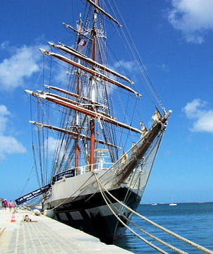 صفقة السفينة الشراعية  di Amerigo Vespucci للبحرية الجزائرية - صفحة 3 Prince-william-884913