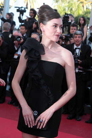 http://www.linternaute.com/cinema/evenement/les-plus-belles-robes-du-festival-de-cannes-2011/image/olivia-ruiz-cinema-evenements-885499.jpg
