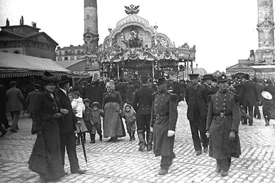 La foire du tr ne en 1910 les plus belles sc nes de rue for Foire du trone en transport