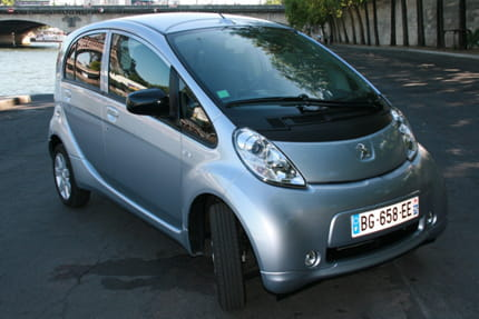 Essai Peugeot iOn : la voiture électrique au quotidien D-un-point-vue-esthetique-peugeot-ion-cultive-sa-bonhomie-895202