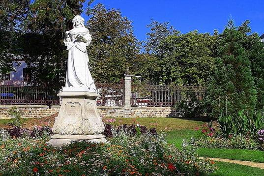 Jardin des plantes de vitr une pause au vert au c ur de - College du jardin des plantes poitiers ...