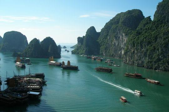 baie d'ha-long au viêtnam