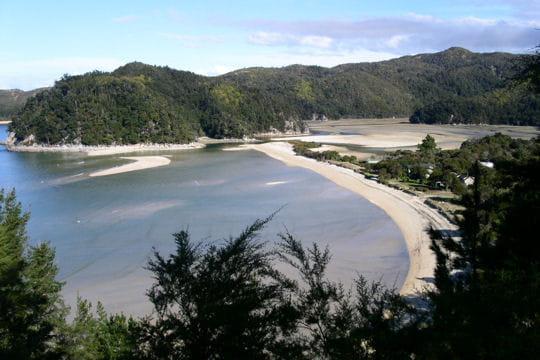 baie d'abel tasman en nouvelle-zélande
