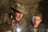 http://www.linternaute.com/cinema/star-cinema/harrison-ford-une-carriere-en-images/image/indiana-jones-et-le-royaume-du-crane-de-cristal-paramount-pictures-international-cinema-stars-960430.jpg